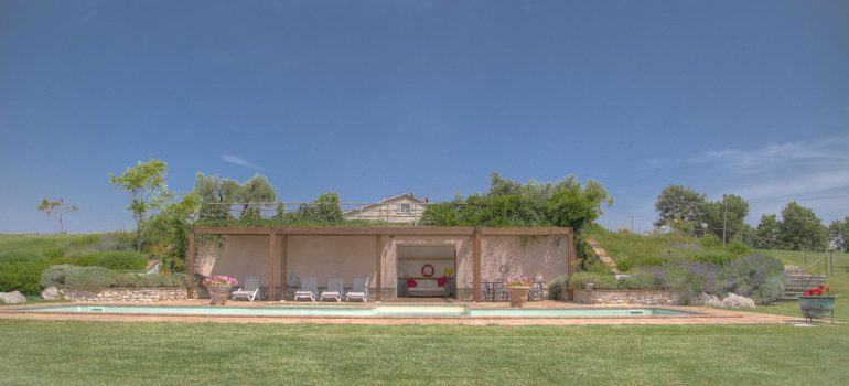 True-Umbria-Campo-Rinaldo-SwimmingPool_01