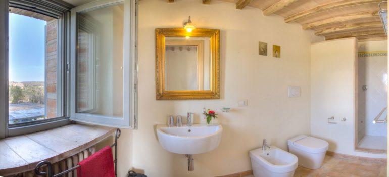 True-Umbria-Campo-Rinaldo_Bathroom_01