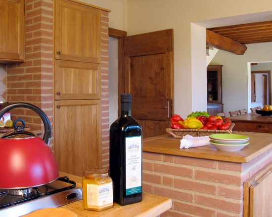 True-Umbria-Villa-Cipresso-Kitchen-01