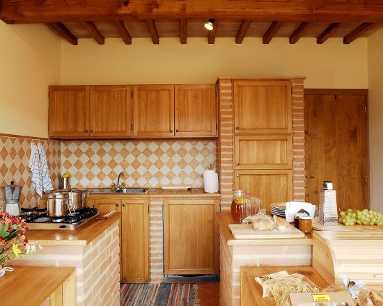True-Umbria-Villa-Cipresso-Kitchen-02