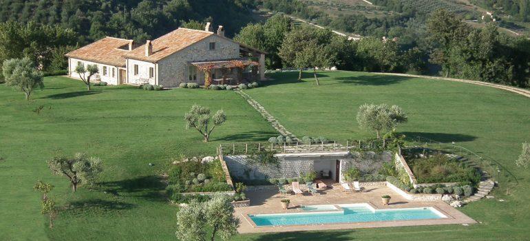 Villa-Campo-Rinaldo_Arereal-wiev_True-Umbria