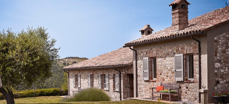 Villa Campo Rinaldo in Umbria - Furnished Courtyard